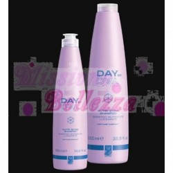 DAY BY DAY SHAMPOO NUTRIENTE LUCIDANTE 500 ML GREEN LIGHT